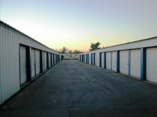 Lakeside Self Storage